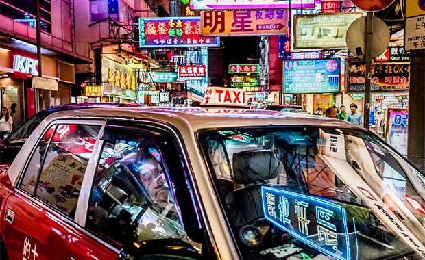 Neon-Taxi-Jon-She-Featured-LensCulture-Street-Photography-Awards-2016