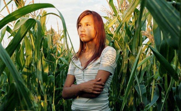 Shawncina-corn-field-Rena-Effendi-Alexia-Foundation